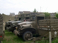 gmc cckw 353 alignement arromanches normandie 2004